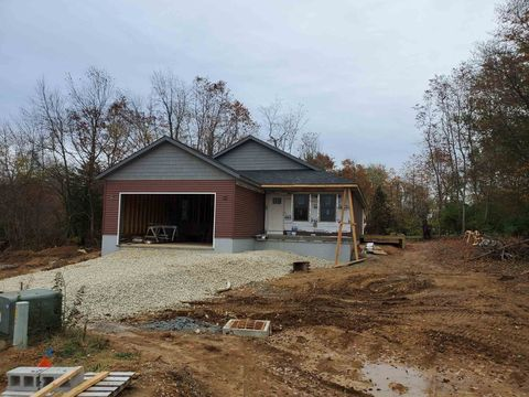 Photo of 7203 W Mustang Dr, Ellettsville, IN 47429