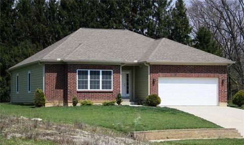 Photo of 425 Stewart Dr, Yellow Springs, OH 45387