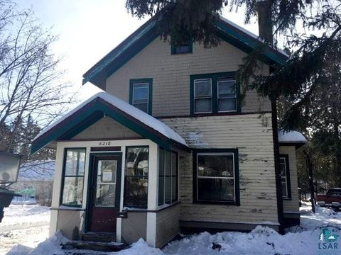 Photo of 4218 Lombard St, Duluth, MN 55804