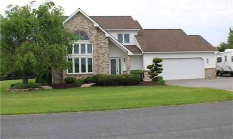 4719 Beech Ct, North Whitehall Township, PA 18078
