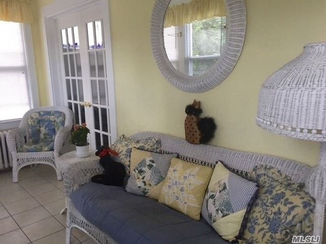 Charming 6 Lafayette Ave, Sea Cliff, NY 11579