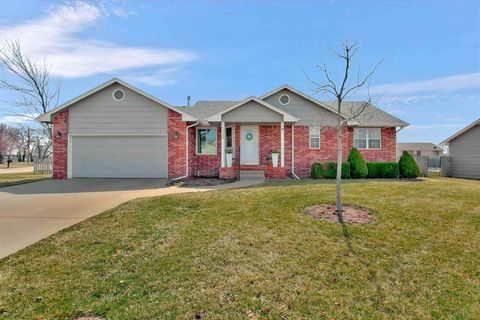 Photo of 1739 James Ct, Newton, KS 67114