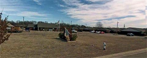 Photo of 1201 N Meadows Dr, Granbury, TX 76048