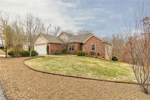 Photo of 15 Chatburn Ln, Bella Vista, AR 72715
