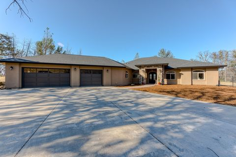 Photo of 8000 Muletown Rd, Redding, CA 96001
