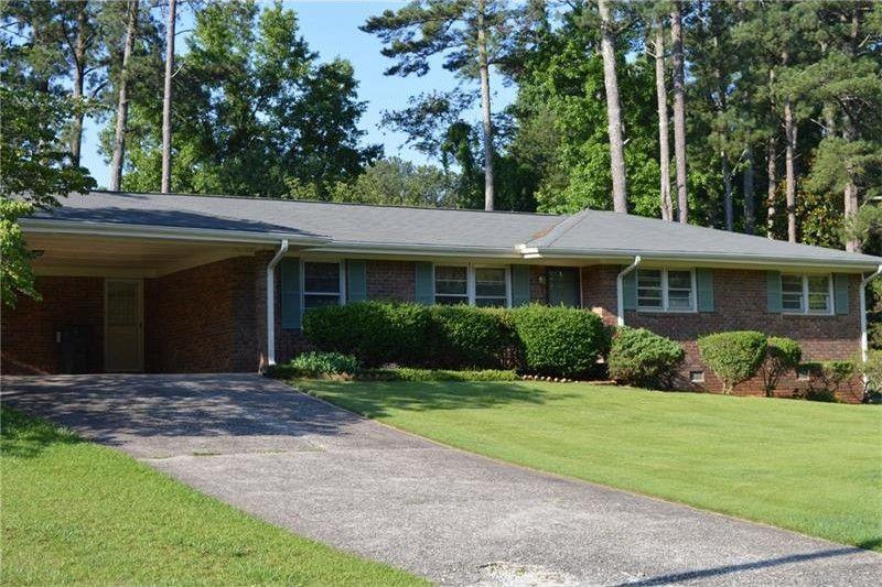 5623 Woodland Dr, Douglasville, GA 30135