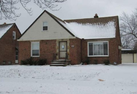 4214 Eastway Rd, South Euclid, OH 44121
