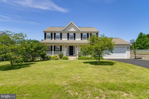 11316 Falling Creek Dr, Bealeton, VA 22712
