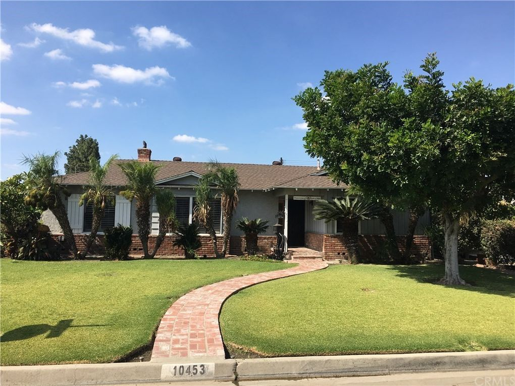 10453 Casanes Ave Downey, CA 90241