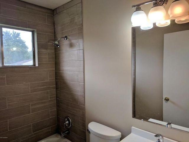 Bathroom Lighting Fixtures Louisville Ky 7806 lesane dr, louisville, ky 40214 - realtor®