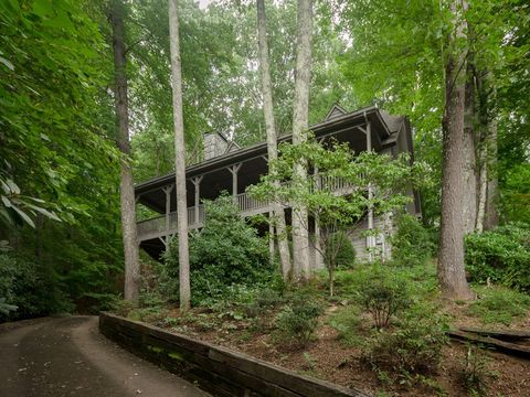 Photo of 710 Falcon Ridge Dr Unit 18, Waynesville, NC 28786