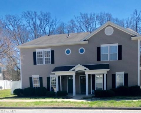 Photo of 4105 Mc Connell Dr, Kernersville, NC 27284