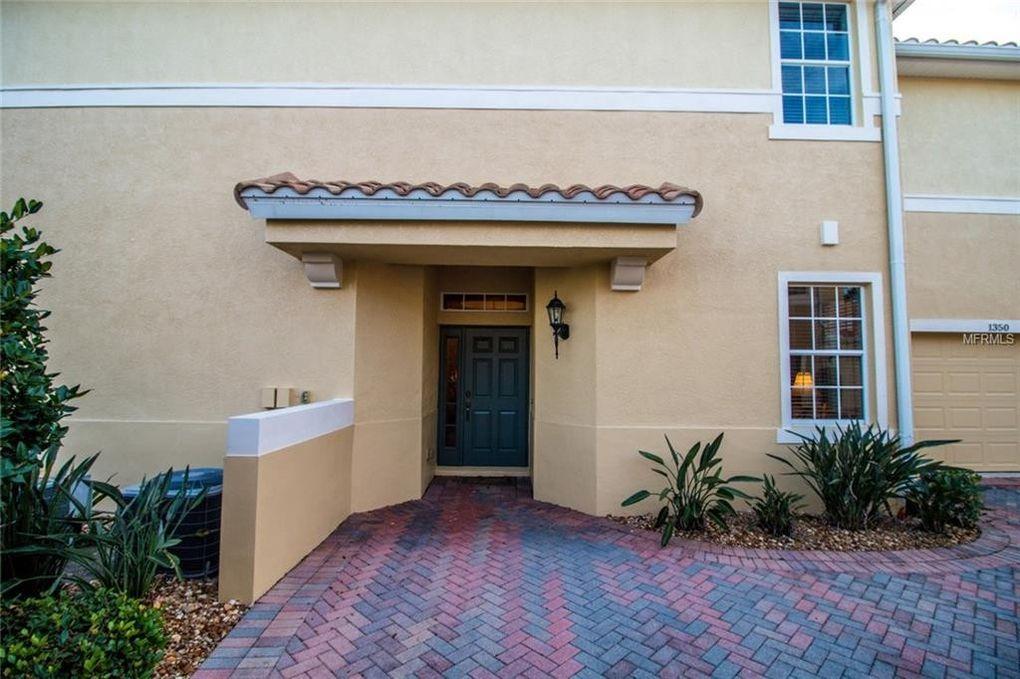 1350 Emerald Dunes Dr, Sun City Center, FL 33573