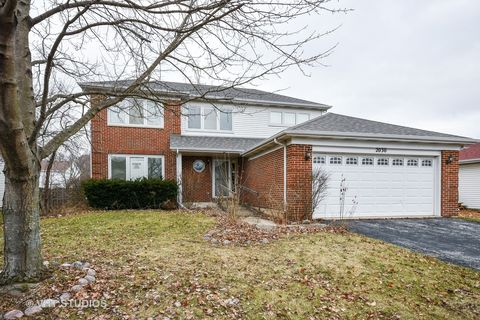 2030 Cherokee Dr, West Chicago, IL 60185