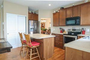 6626 Thistle Grv, Hamilton Township, OH 45152 - Kitchen