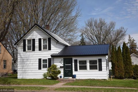 Photo of 235 2nd Ave Nw, Milaca, MN 56353