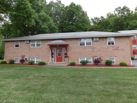 172 Kendall Ave Apt C, Campbell, OH 44405