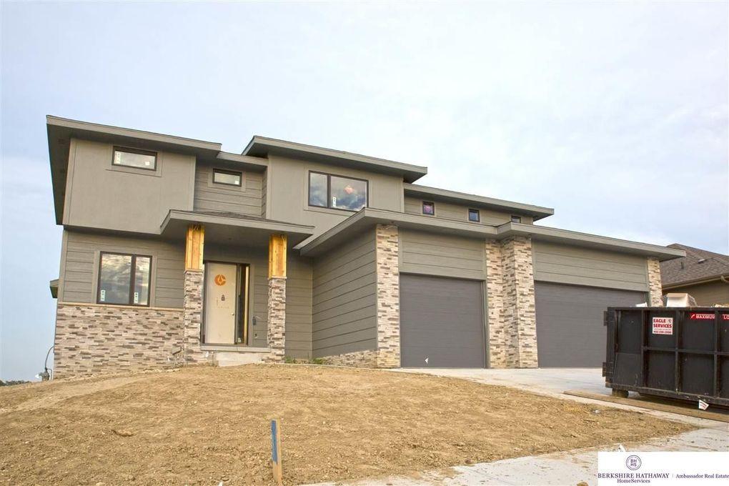 1805 N 196th St, Elkhorn, NE 68022