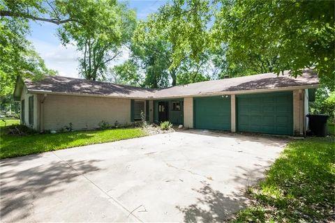 15826 Torry Pines Rd, Houston, TX 77062