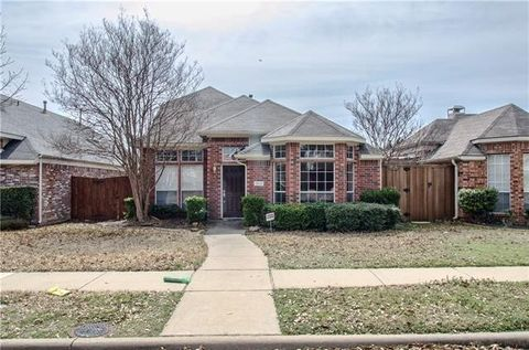 Photo of 3012 Ridge Hollow Dr, Plano, TX 75023