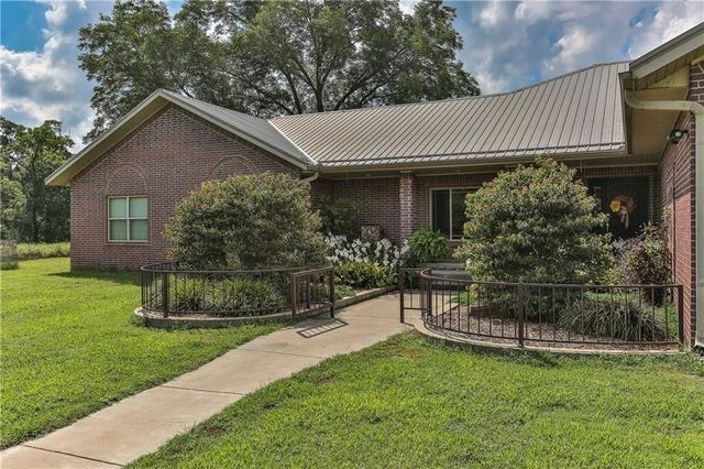 gravette singles 43 single family homes for sale in gravette ar view pictures of homes, review sales history, and use our detailed filters to find the perfect place.