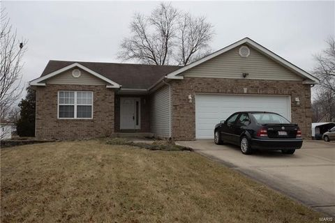 8532 Country Ln, Troy, IL 62294