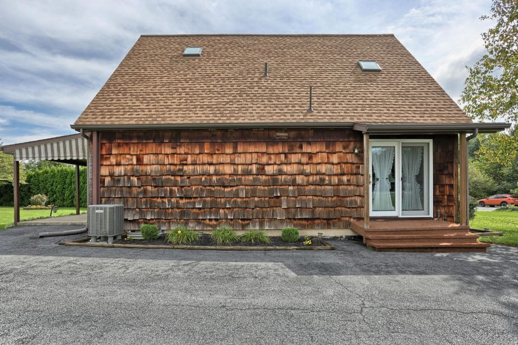 301 E Carpenter Ave Myerstown Pa 17067 Realtor Com 174