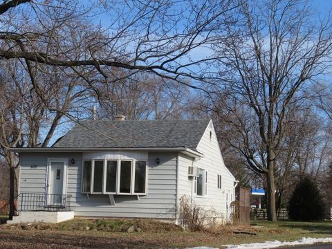 Photo of 602 S East St, Silver Lake, WI 53170