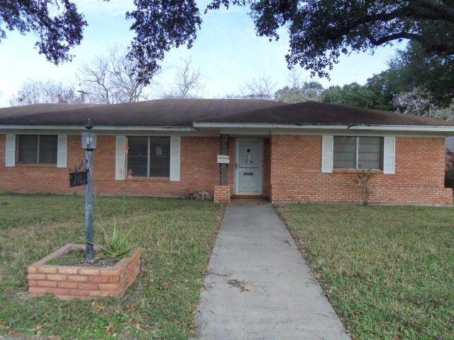 2104 E Loma Vista Ave Victoria TX realtor