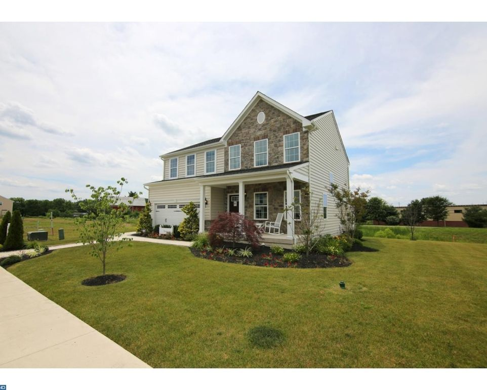 002 Pear Tree Ct, Delran, NJ 08075