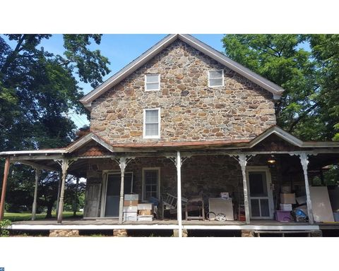 757 Naamans Creek Rd, Chadds Ford, PA 19317