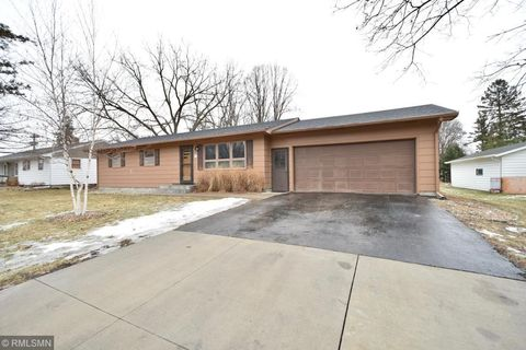 Photo of 319 3rd Ave Nw, Pine Island, MN 55963