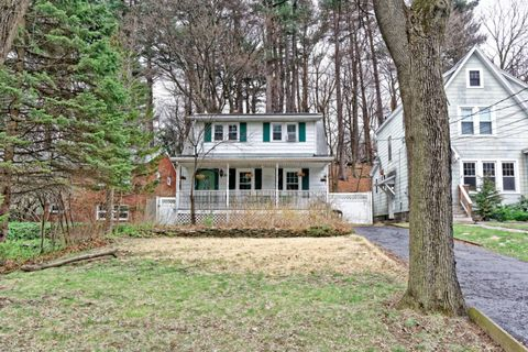 Photo of 35 Oxford Rd, Albany, NY 12203