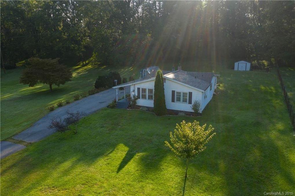 185 Duckett Cove Rd, Waynesville, NC 28786