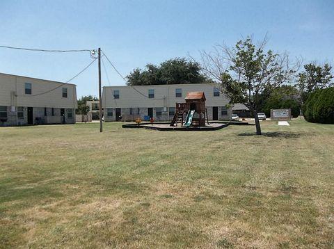 Photo of 321 Sw Thomas St, Burleson, TX 76028