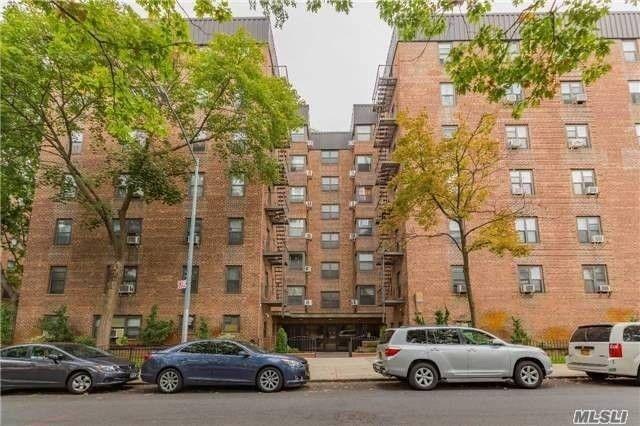 32-43 90 St Unit 305 East Elmhurst, NY 11369