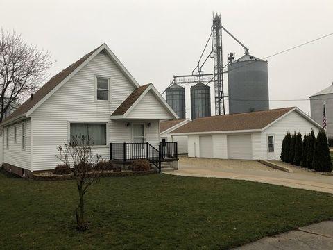 Photo of 204 N Main St, Roberts, IL 60962