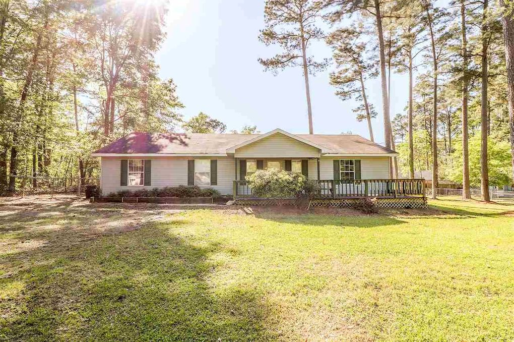 155 The Elms Dr, Florence, MS 39073