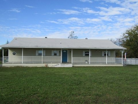 Photo of 724 County Road 14300, Pattonville, TX 75468