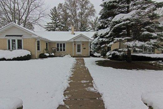 298 S Seymour Ave Grayslake, IL 60030