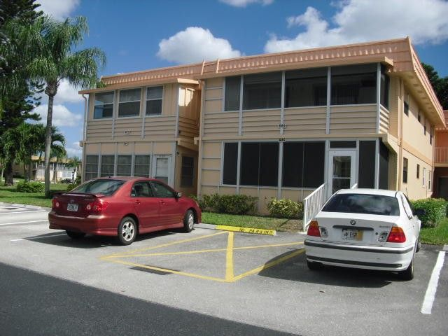 669 Saxony N, Delray Beach, FL 33446