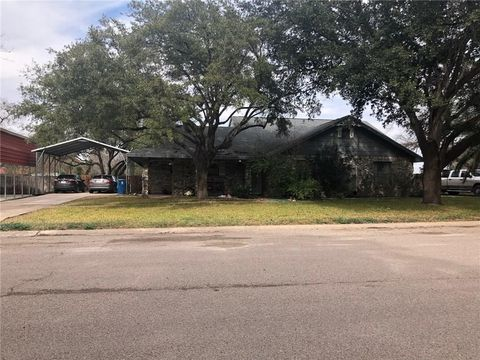 Photo of 808 Carle St, Freer, TX 78357