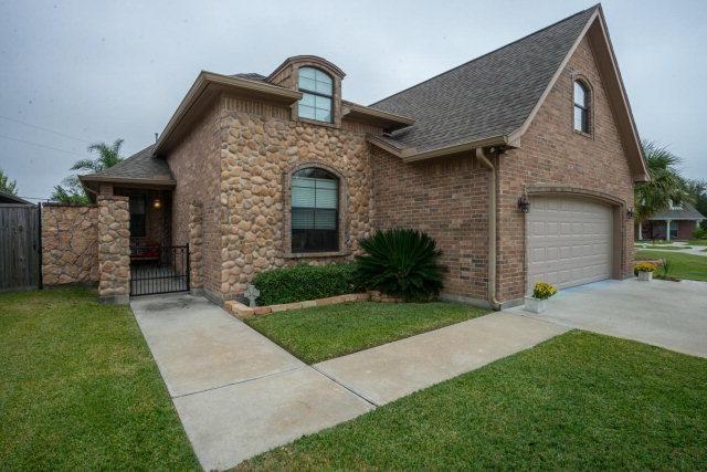 608 Thomas Haven Dr, Port Neches, TX 77651
