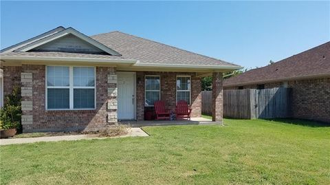 Photo of 202 Bryant St Unit 2, Pottsboro, TX 75076