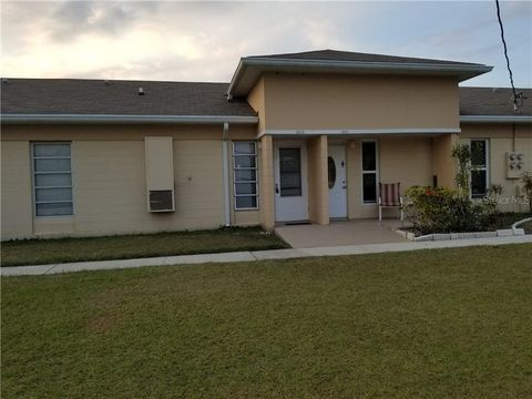 Photo of 1909 Club Cir, Lake Wales, FL 33854