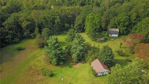 Photo of 307 Cole Rd, South Beaver Township, PA 16115