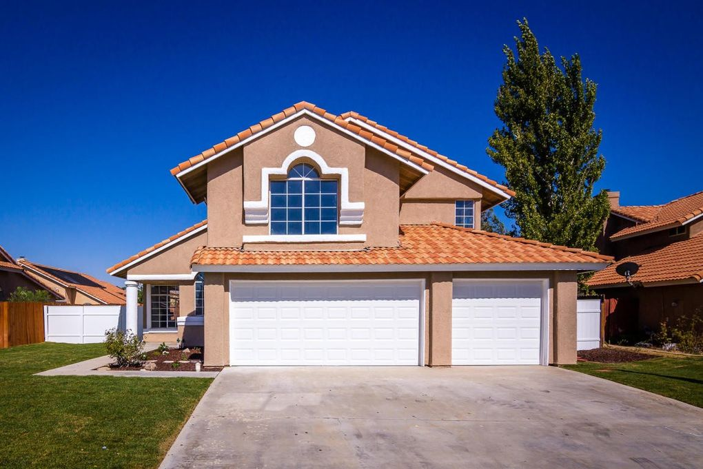 39530 Colchester Ct Palmdale CA 93551 : garage doors colchester - pezcame.com