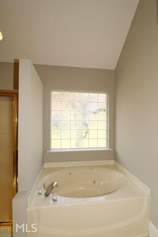 Bathroom Remodeling Warner Robins Ga 428 cross creek way, warner robins, ga 31088 - realtor®