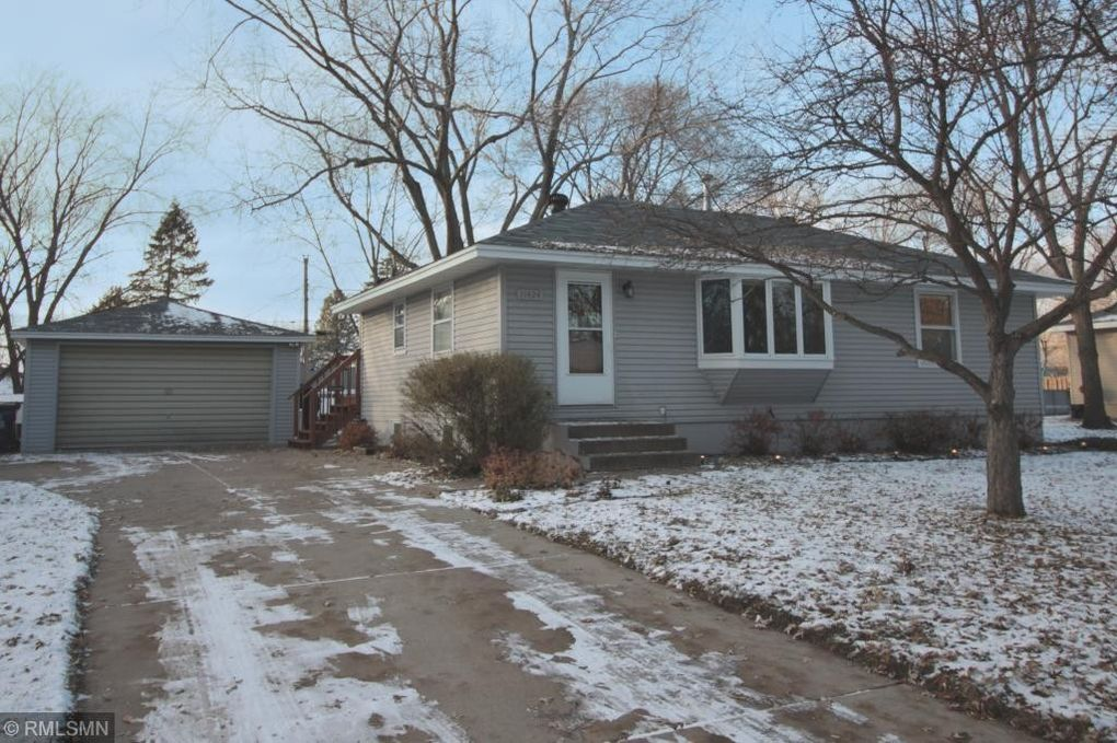 11424 Palm St NW Coon Rapids, MN 55448