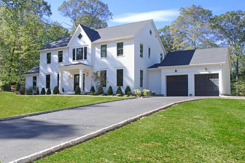 7 Carriage Rd, Cos Cob, CT 06807